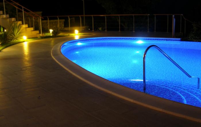 What Inground Pool Light Should You Get: LED Or Fiber Optic?--Sarasota Pool