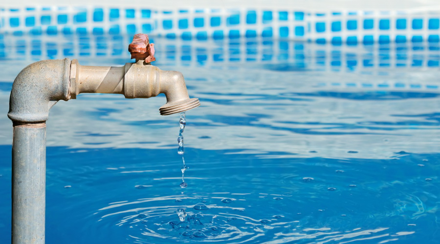 what should you do if your swimming pool has a leak